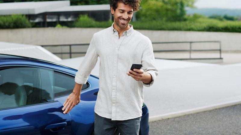 Porsche Parken Plus, prenotazione parcheggi attraverso smartphone solo in Germania