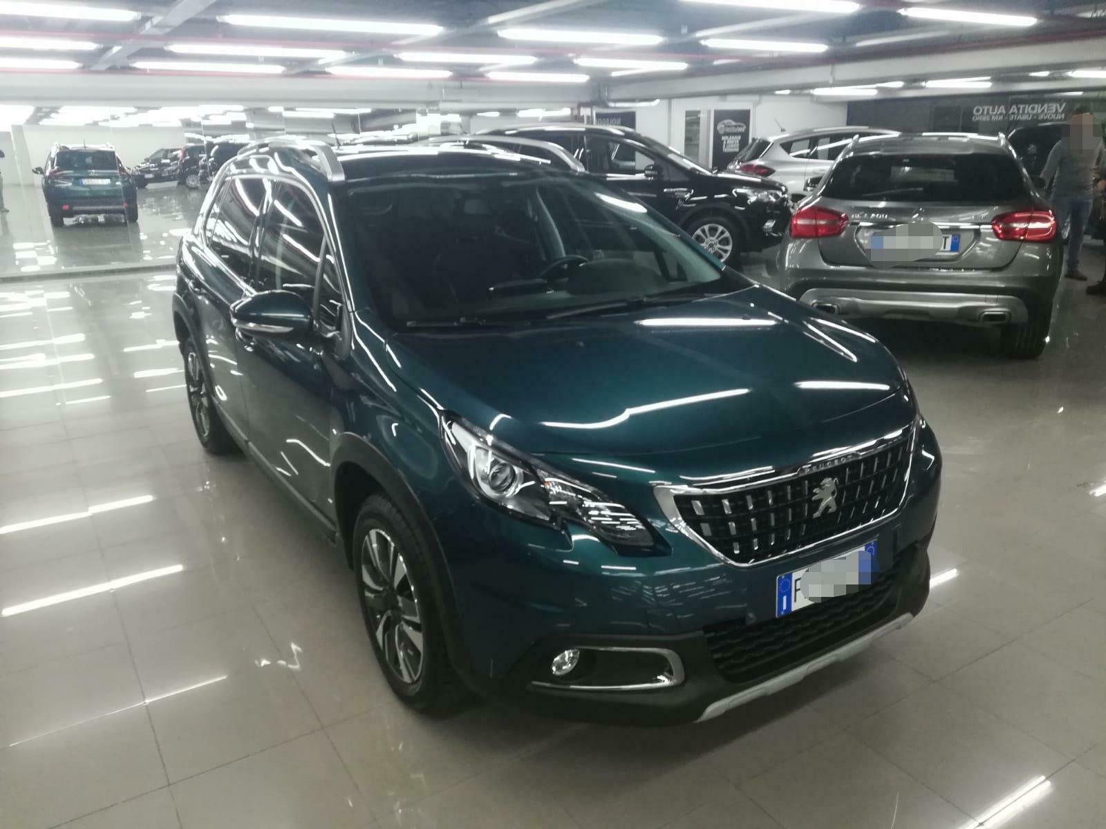 Peugeot, nuova funzione per guida semi autonoma