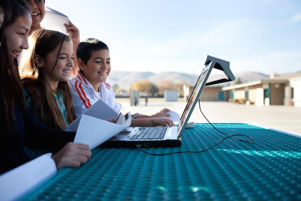 Eolo, la tecnologia è il futuro anche a scuola